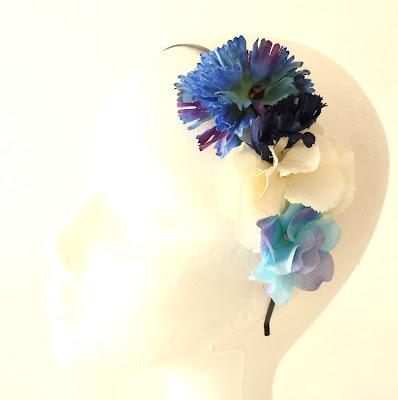 PV 2018 Azules Media Corona floral1