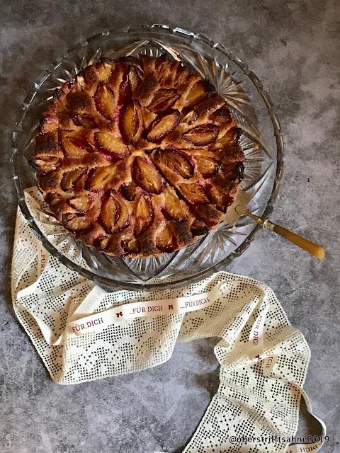 Obstkuchen mit Mürbeteig und Marzipan