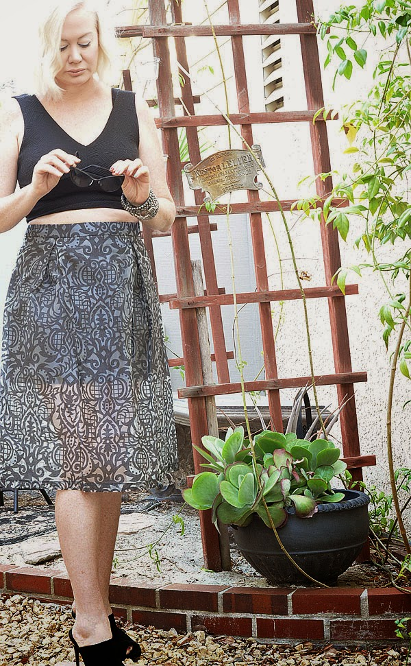 Shades of Grey Skirt Beauty by SW Fashion Blog