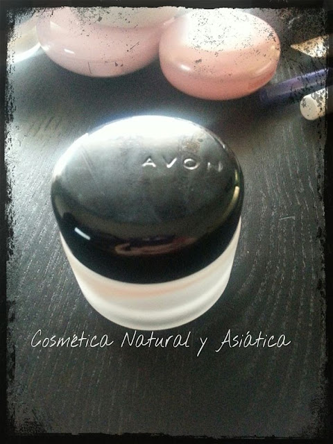 Avon-Base-de-maquillaje-Mate-en-Mousse-Ideal-Flawless