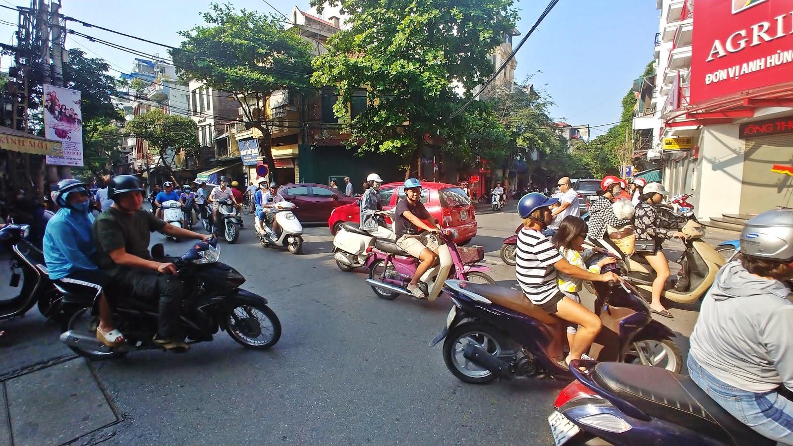 Old Quarter Hanoi ruch drogowy