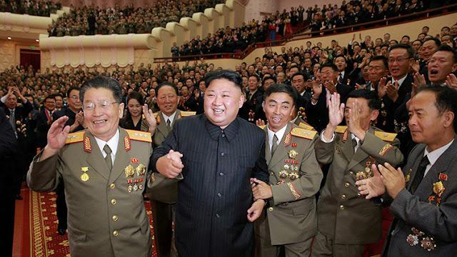 """""""Fue una gran victoria"""": Kim Jong-un felicita a sus científicos por la última prueba nuclear"""
