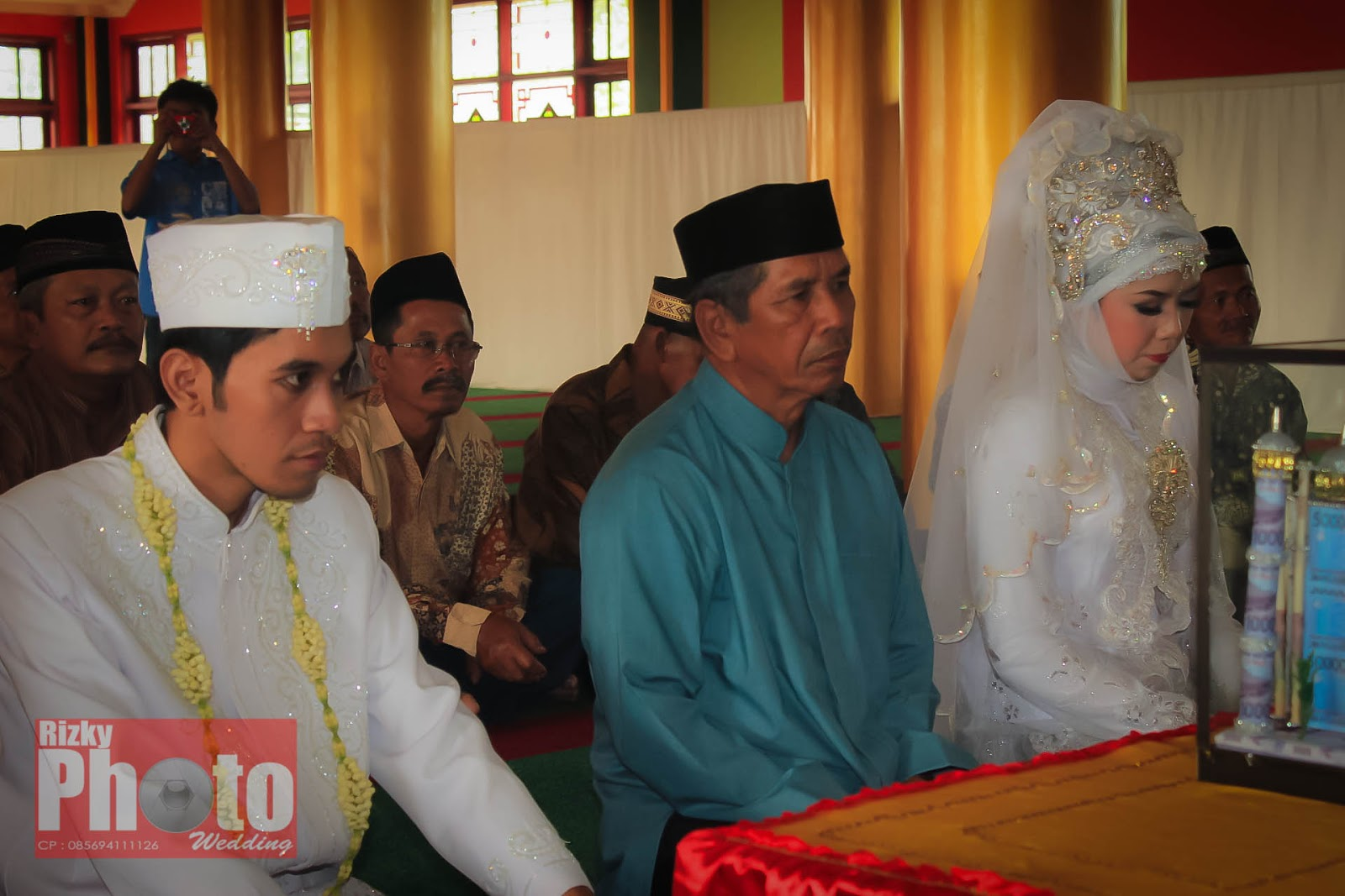 Lihat Fotografer Surabaya Prewedding Dokumentasi Wedding: Langsung Aja Di Lihat Sebagian Dokumentasinya :