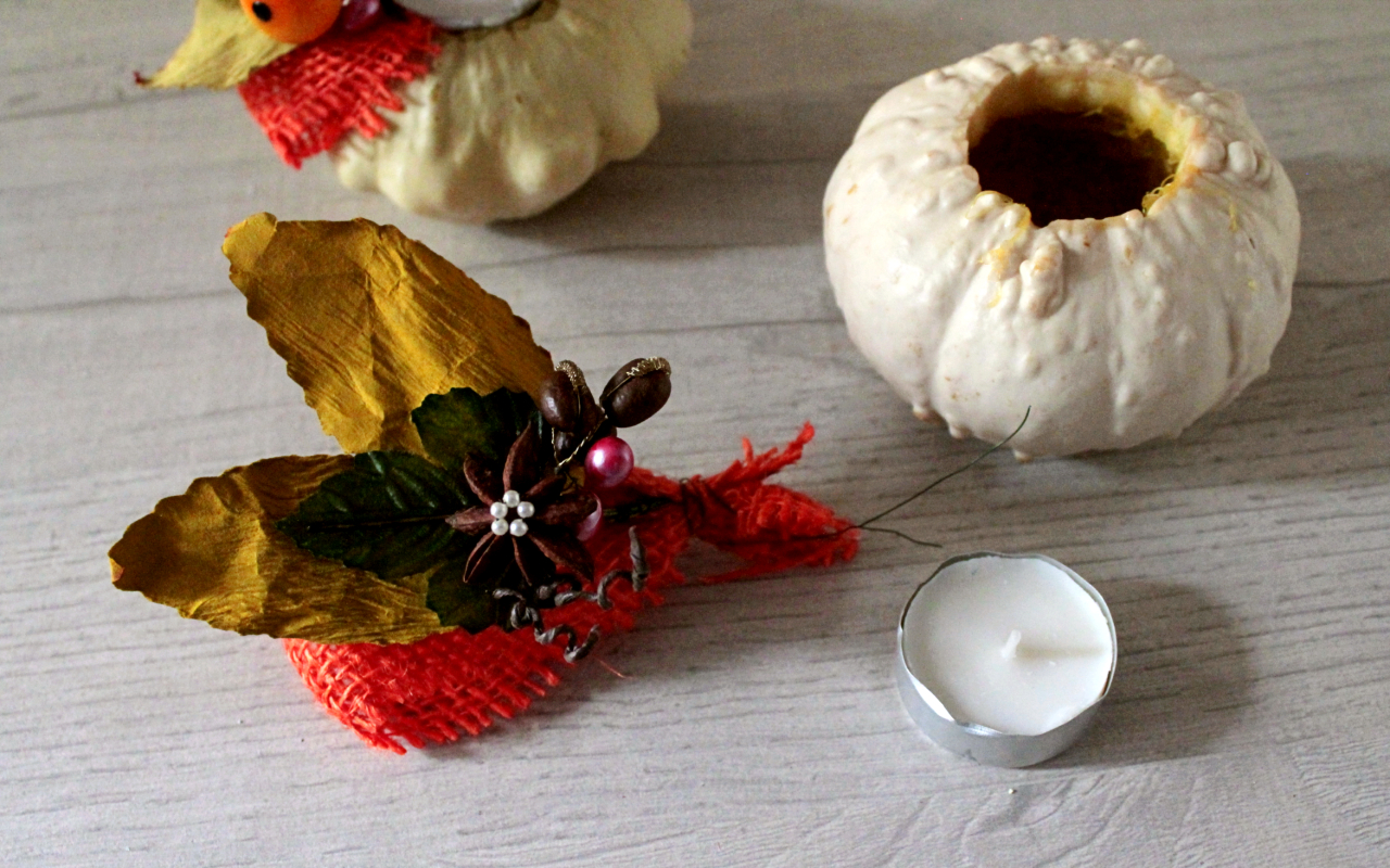 decorare-la-tavola-con-zucche-e-candele-autunno