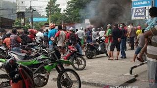 Terkait Kisruh Papua    *Hoaks Pengusiran Warga Papua di Surabaya Diungkap Piter Rumaseb*
