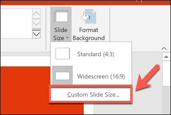 لتعيين حجم شريحة PowerPoint مخصص ، اضغط على Design> Slide Size> Custom Slide Size.