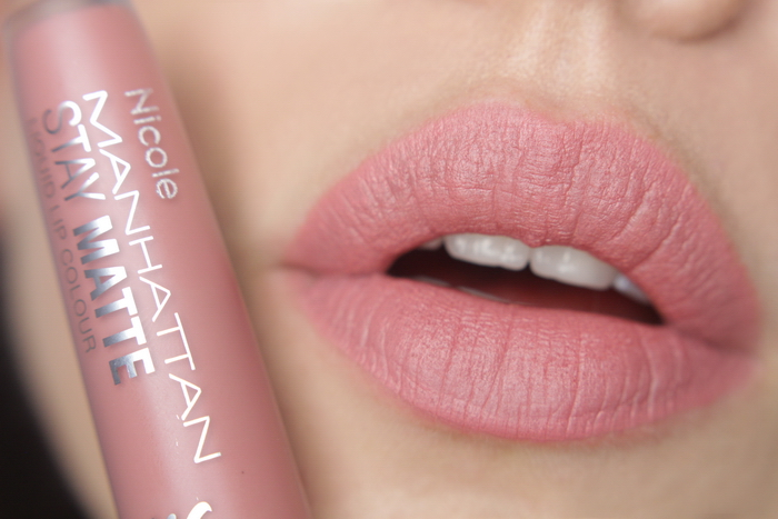 Manhattan Stay Matte Liquid Lip Colour 210 Shoppink in Soho