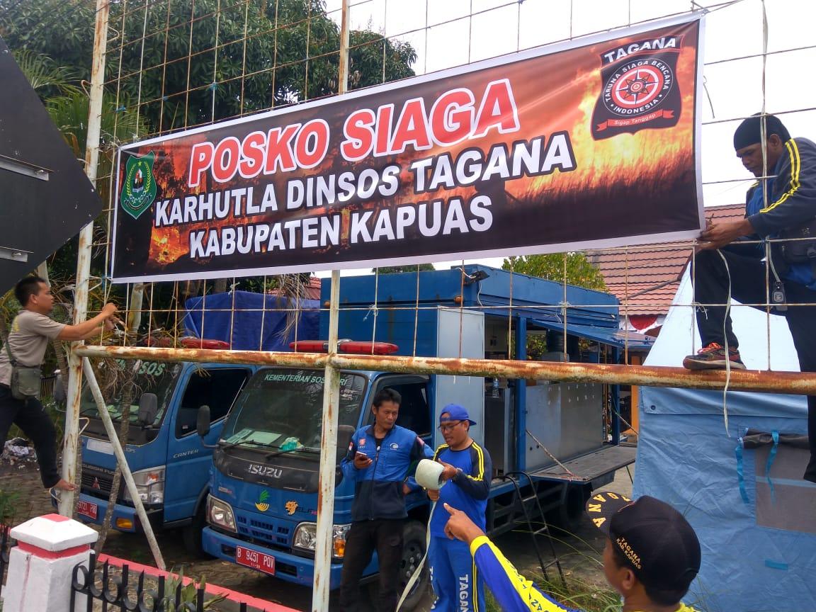 DINSOS dan TAGANA Kabupaten Kapuas Mendirikan Posko Karhutla