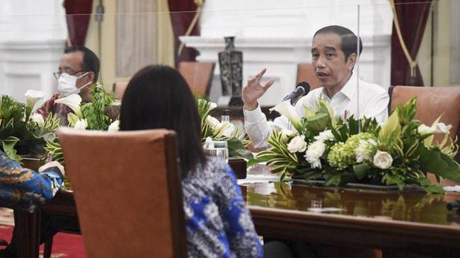 Jokowi Sebut Korporasi dan Para Warga Suka Bakar Hutan untuk Buka Lahan