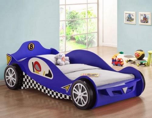 Cuarto infantil cama coche