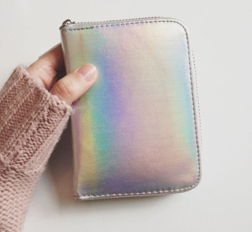 holographic wallet, holographic purse, holographic trend, holographic style