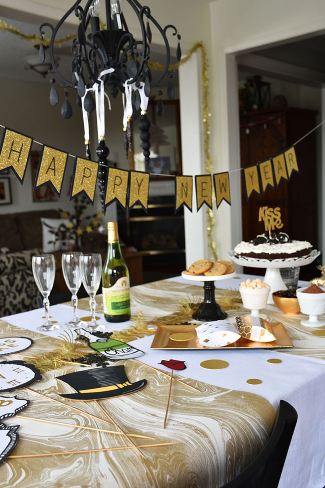 New Year's Eve Black and Gold Chocolate Party ideas