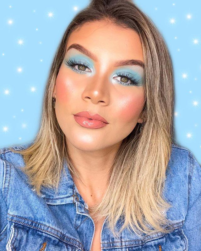 Maquiagem sombra neon azul
