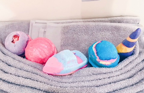 Sex Bomb, Think Pink, Love Boat, Intergalactic, Unicorn Horn Bubble Bar, lush, cruelty free bath