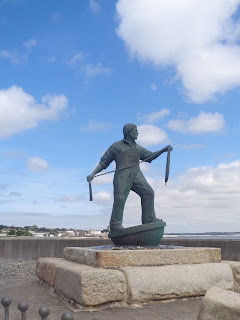 https://www.cornwalls.co.uk/photos/newlyn-fisherman-statue-4377.htm