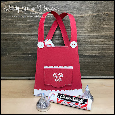 Enjoy sharing this Christmas cuteness with this Mrs. Claus Apron Treat Bag, using the Stampin' Up! All Dressed Up and Warm Wrap dies!