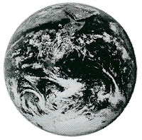 Снимка на Земята от американския космически кораб Аполо 2.