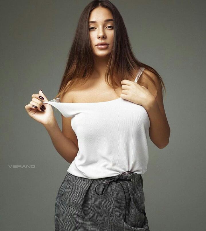 Liya Silver Full