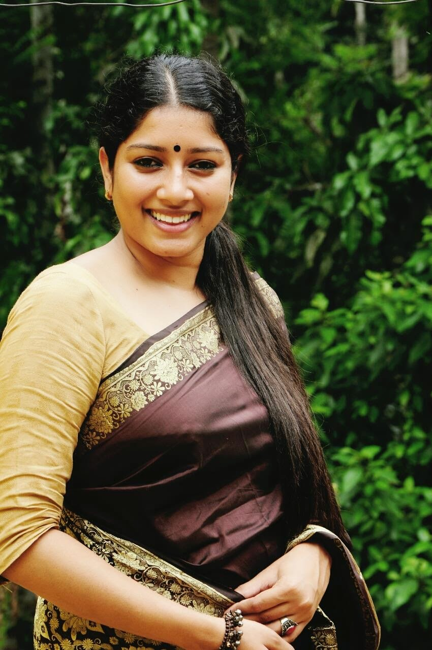 Ellam ithil Und ktooooo anu mol new malayalam actress