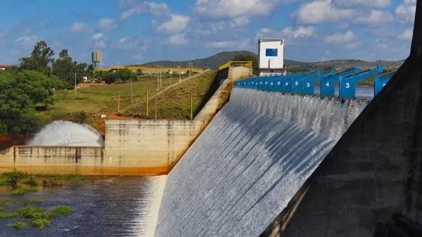 barragem de Ponto Novo atingiu o seu volume máximo e transbordou pela 2ª em 2019
