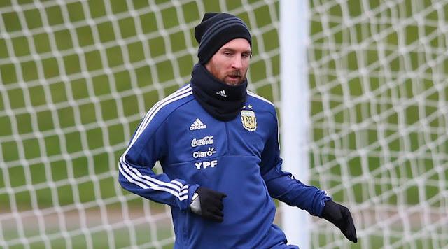 Lionel Messi in Argentina training