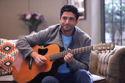 farhan-akhtar-hates-doing-topless-photo-shoots