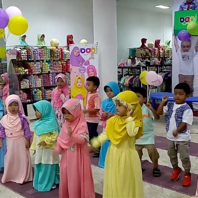 4 tips berbusana muslim untuk anak-anak dan dewasa, bisa bikin nyaman loh