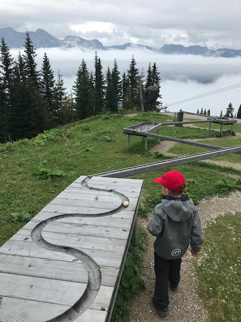 Kugelbahn Planai Hopsiland Oesterreich Wandern mit Kind Jules kleines Freudenhaus