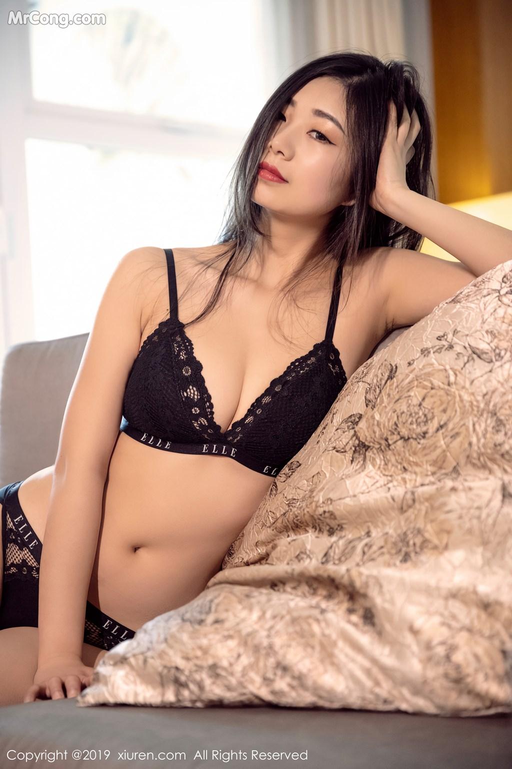 Image XIUREN-No.1327-KiKi-MrCong.com-006 in post XIUREN No.1327: 宋-KiKi (44 ảnh)