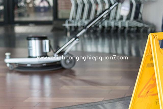 Dịch vụ vệ sinh sàn nhà xưởng công nghiệp chuyên nghiệp tại TPHCM