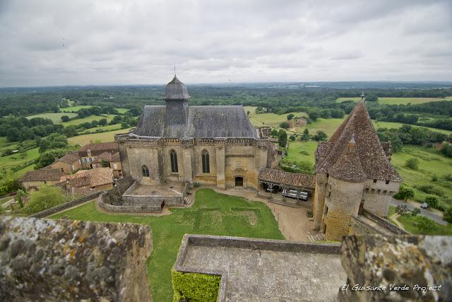 Iglesia del Château de Biron - Dordoña Perigord por El Guisante Verde Project