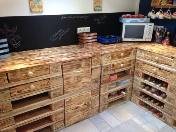 35%2BGenius%2BDIY%2BWood%2BPallet%2BFurniture%2BDesigns%2B%252830%2529 35 Genius DIY Easy Wood Pallet Furniture Designs Ideas Interior
