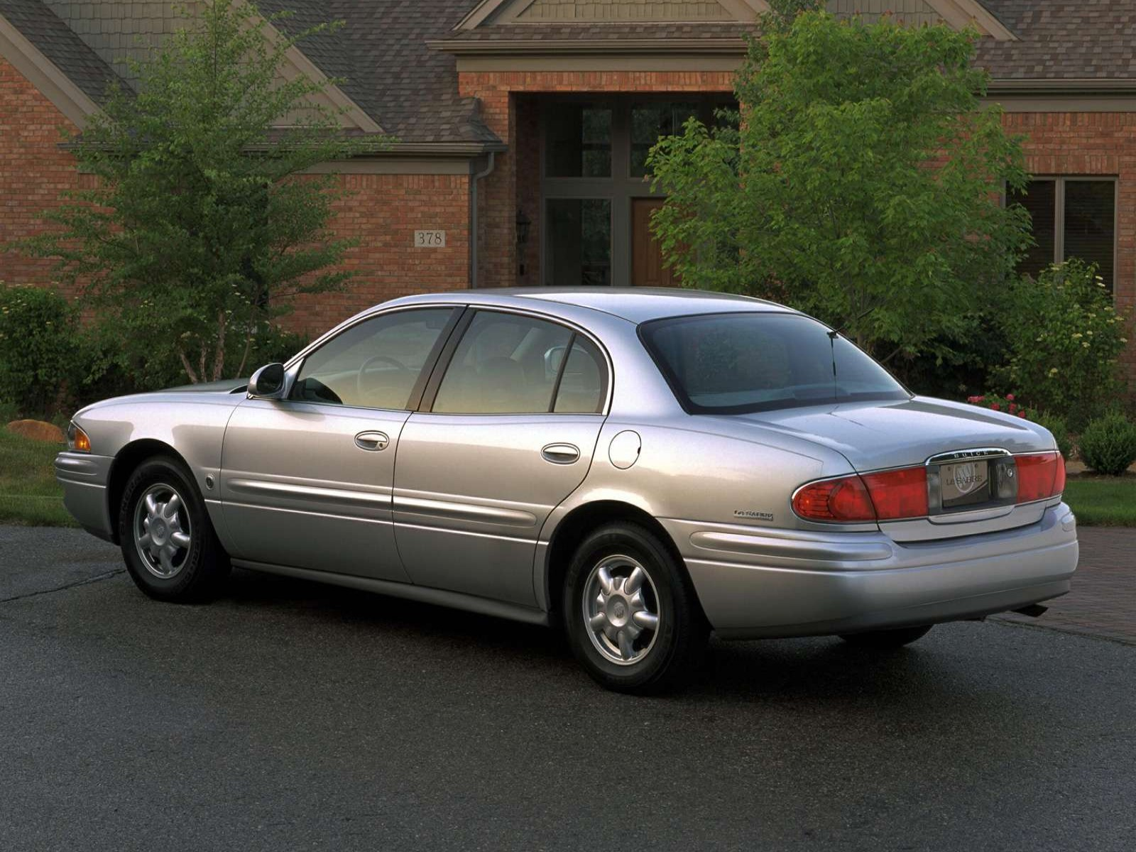 Music Directory: Buick LeSabre 2001