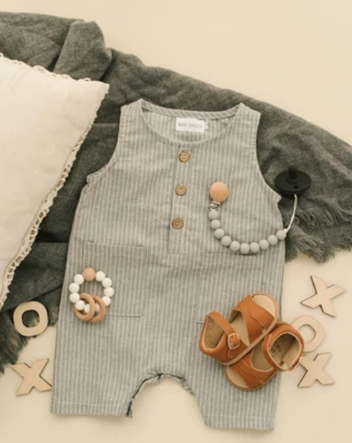 how-to-shop-for-gender-neutral-baby-clothes