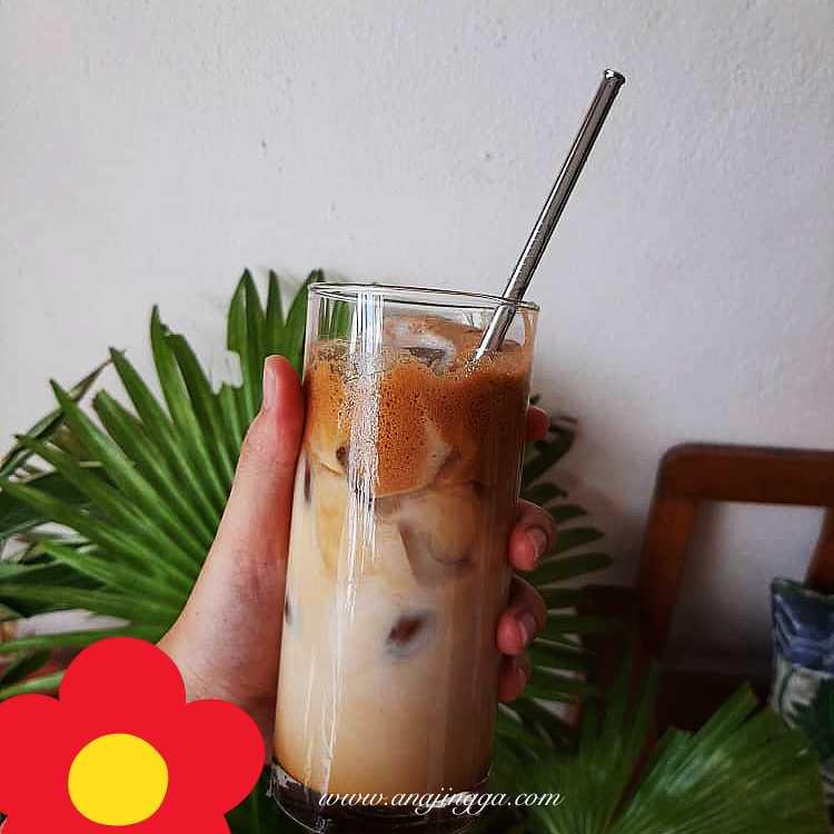 Cara buat dalgona coffee by Adik Ika