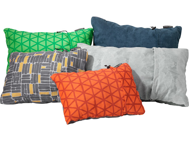 17 camping gift ideas - Thermarest pillows