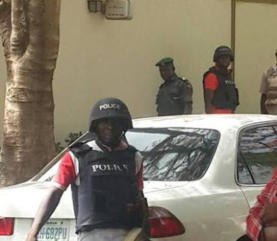 Naval Officer Nabbed With His Gang Members For Stealing In Delta