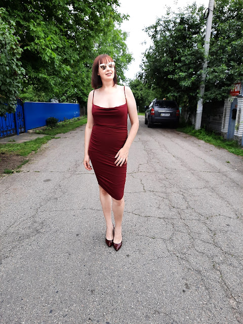 https://femmeluxefinery.co.uk/products/wine-ruched-cowl-neck-bodycon-mini-dress-sofie