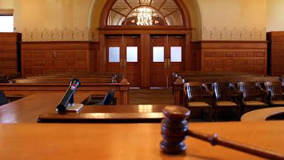 Hủy quyết định cá biệt trái pháp luật của cơ quan, tổ chức, người có thẩm quyền