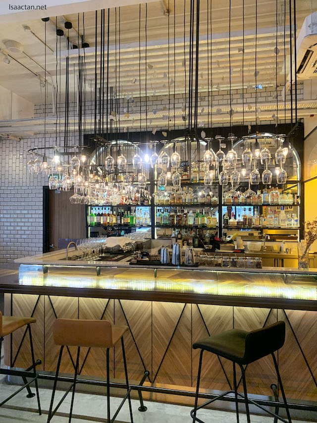 passione ristorante italiano interior shot