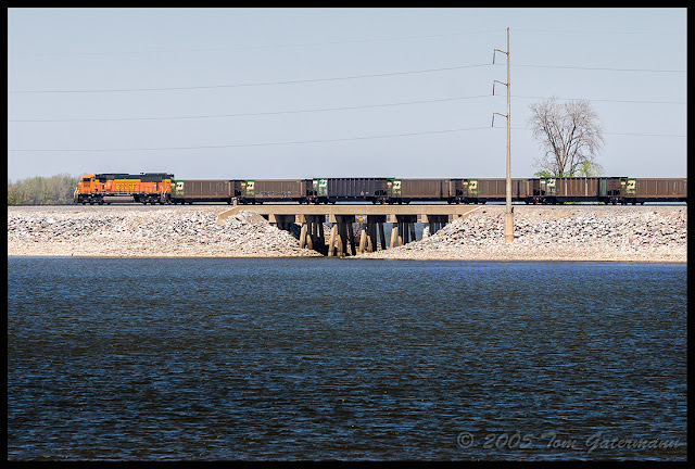 BNSF 8900 - Coal Train - Beardstown Subdivision - Carlyle Lake