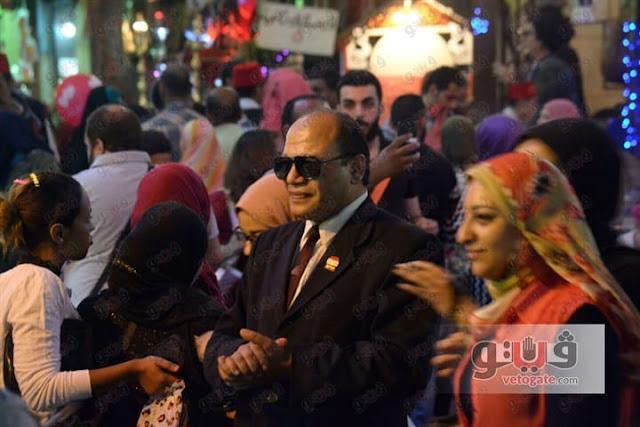 شبية الرئيس السيسي يثير ازمة في شارع المعز