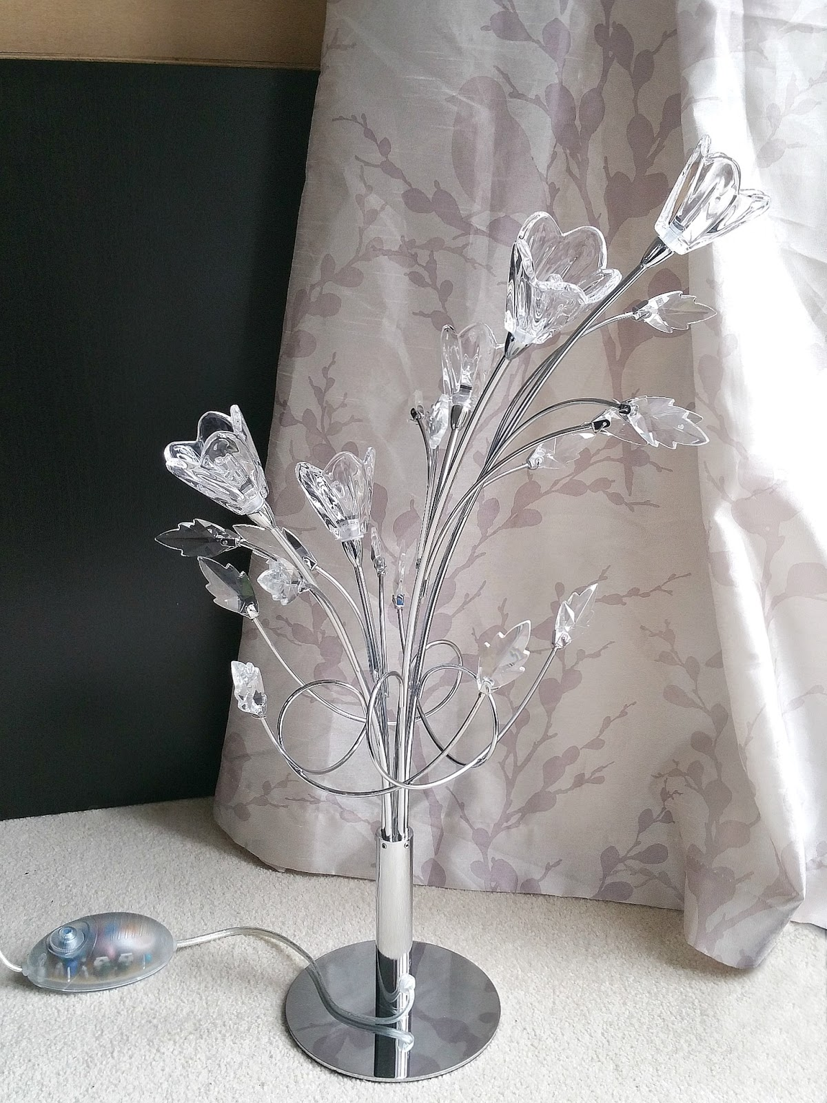 floral light, desk lamp, crystal light