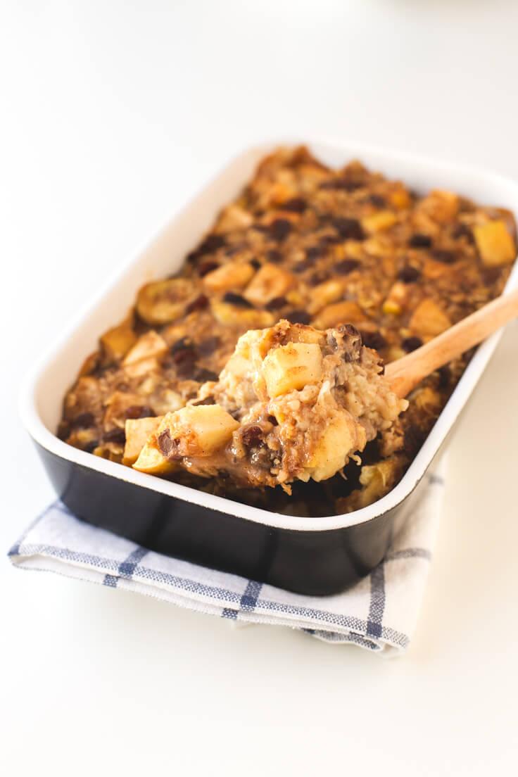 Baked oatmeal porridge | danceofstoves.com #vegan