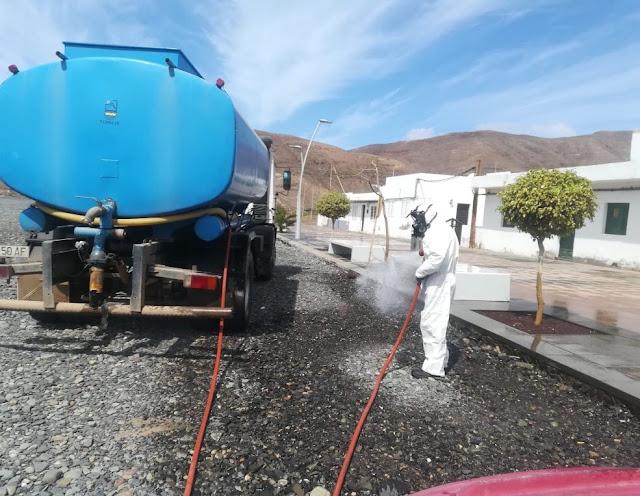 2020%2B04%2B17%2BDesinfeccion%2B2%2B%25282%2529 - Fuerteventura.- Tuineje intensifica la desinfección de espacios públicos