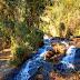 Jovem morre após cair de cachoeira em Pedralva, MG