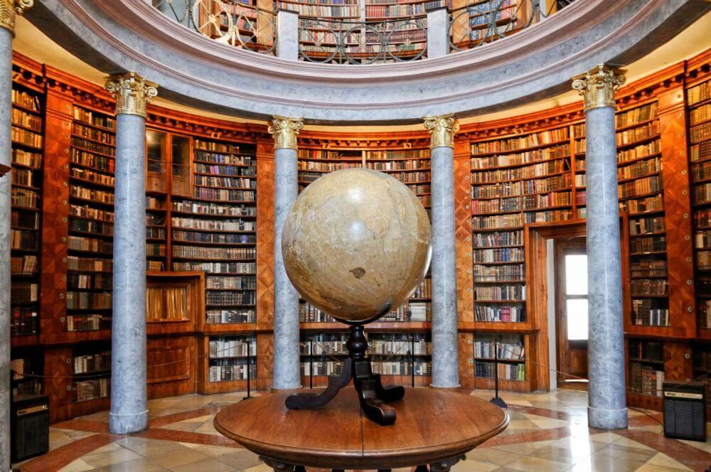 Biblioteca de Pannonhalma, Hungria