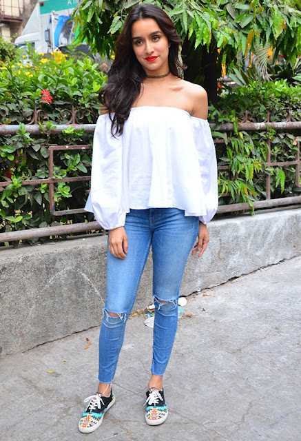 off shoulder top with boyfriend jeans