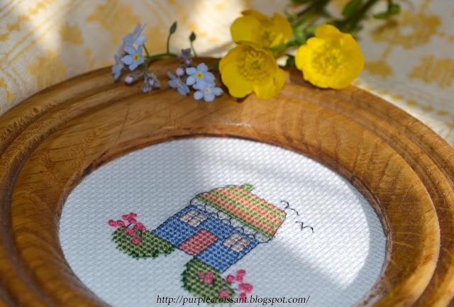 вышивка крестиком домик