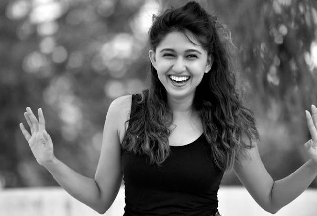 Gautami Deshpande (Indian Actress) Wiki,Bio,Age, Education, Awards, Family and Many More...